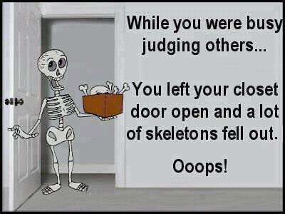 judging-others-skeleton-cartoon